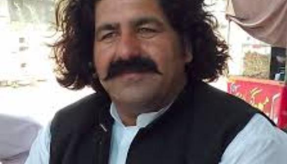 Appel international – Pakistan : Libérez Ali Wazir, retirez les fausses accusations policières !