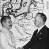 Staline et Ribbentrop sur fond de carte européenne